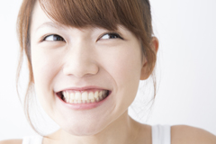 治療するなら白い歯に